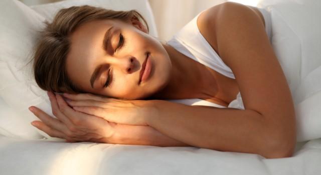 Bien-être : 9 conseils pour bien dormir lorsqu'il fait chaud