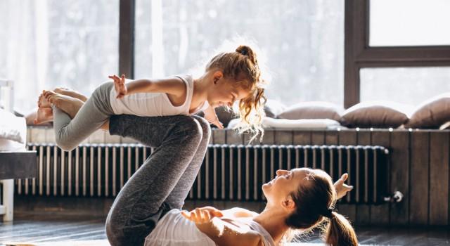 Sport pour débutantes : programme fitness pour se tonifier en douceur à la maison