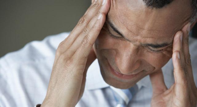 L'accident vasculaire cérébral : symptômes, facteurs de risque et traitements