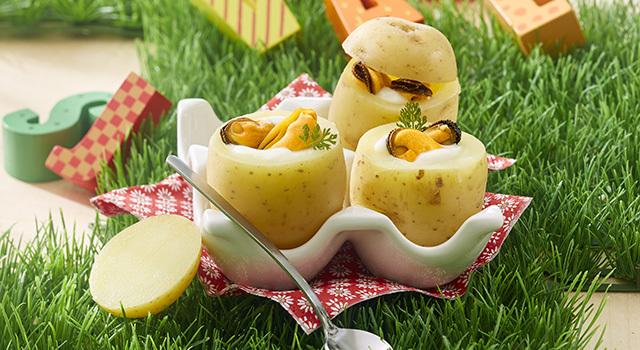 Oeufs cocotte aux moules, en habit de pommes de terre