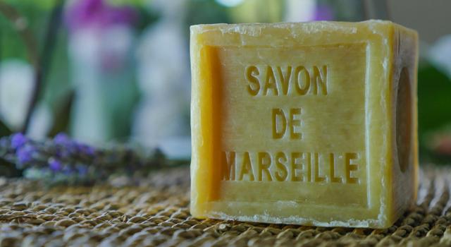 Savon de Marseille : 6 astuces de nettoyage à connaitre