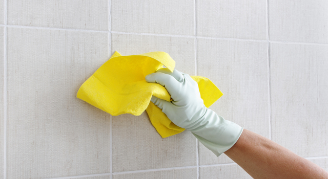 DIY : nettoyant spécial carrelage au citron