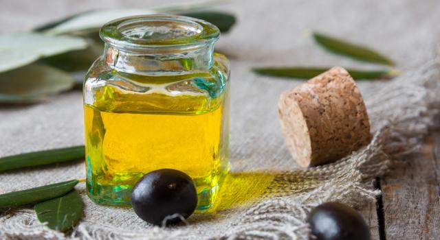 Huile d'olive : 6 astuces étonnantes pour l'entretien de la maison