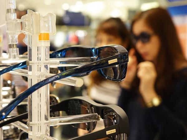 Protéger ses yeux des rayons UV passe par une bonne paire de lunettes solaires