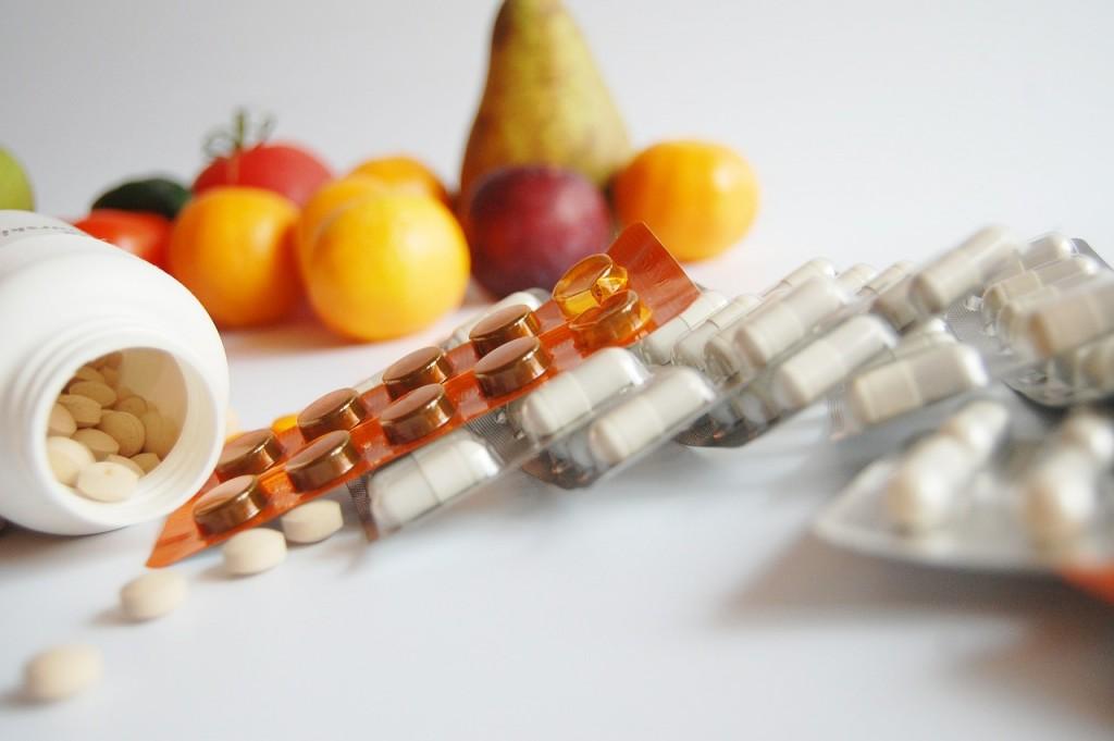 Vous prenez des compléments alimentaires et des médicaments ? Attention aux interactions qui peuvent être nocives pour votre santé !