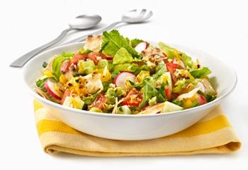 Et voilà une jolie salade Fattouche