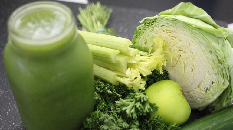 Le jus vert est une parfaite boisson detox pour booster votre tonus