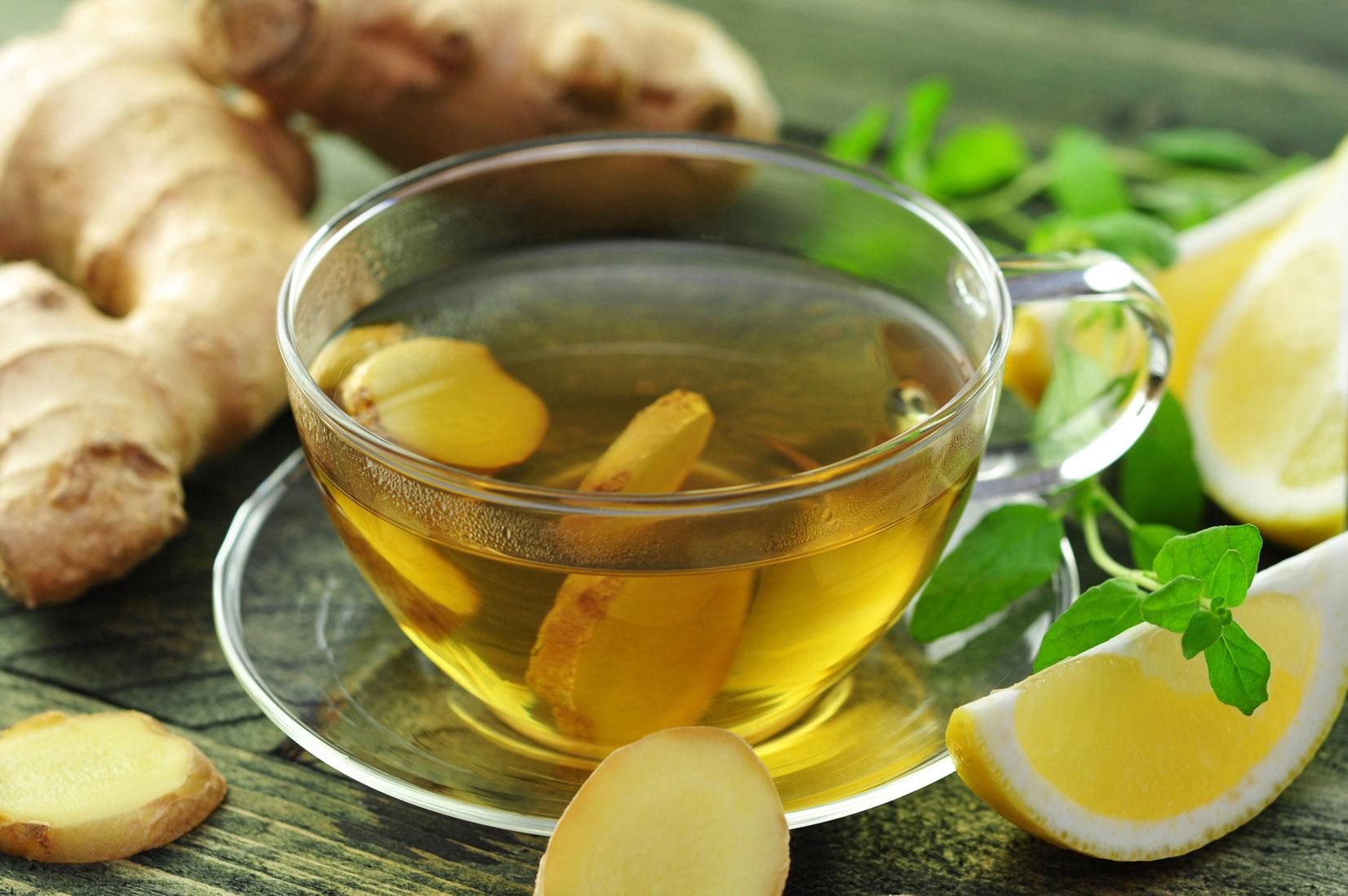 Le gigembre fait augmenter la température du corps et booste ainsi le métabolisme. Ce qui aide l'organisme à éliminer plus facilement les graisses et les toxines.