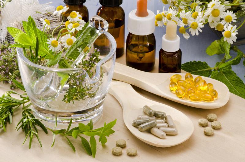 La phytothérapie est une médecine millénaire. Les pilules remplacent les plantes séchées, sont-elles plus concentrées, plus efficaces ?