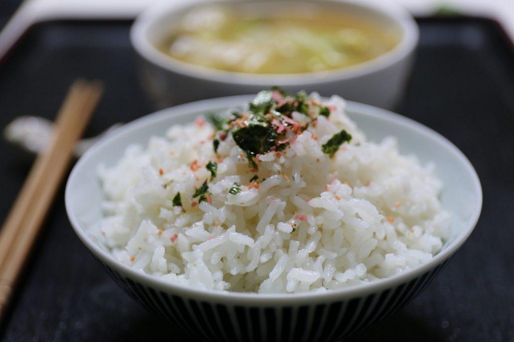 Régime Okinawa : des aliments faibles en calories, comme le riz