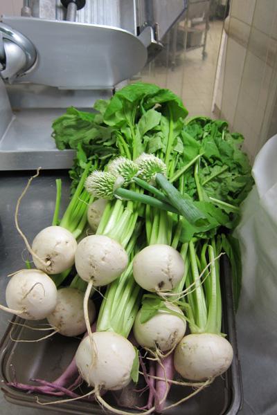 Le slow food est un mouvement éco-gastronomique qui vise à promouvoir la cuisine des terroirs et les aliments de bonne qualité