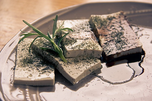 Riche en protéines, le tofu est l'aliment idéal du vegan